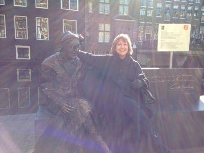 Bethan - Amsterdam - Statue